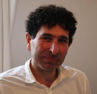 """Saleh Diab : """"Ces voix sont les vraies voix de la poésie écrite en Syrie"""", par Hussein Bin Hamza"""