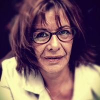 Astrid Waliszek : cristal et fumée (Ombres nomades), par Vivianne Perelmuter