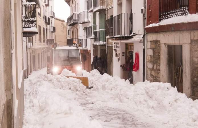 Neteja de neu a Morella, gener 2020