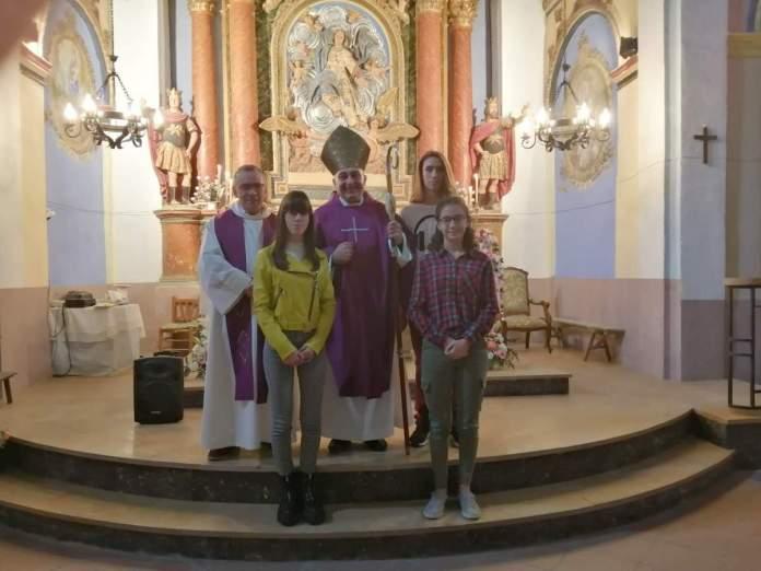 Confirmació de tres joves a Palanques