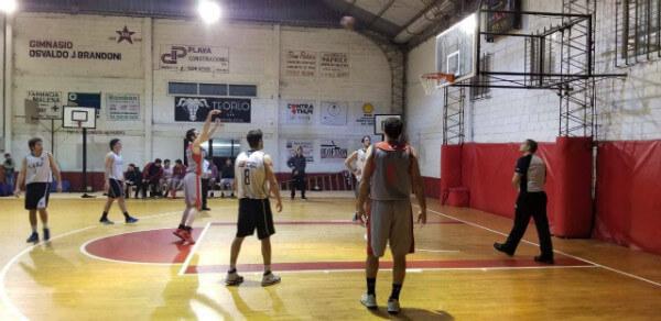 La Jauría debutó con un triunfo ante Universitario