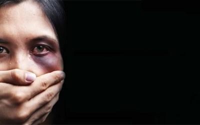 إحتفالًا باليوم العالمي لنبذ العنف ضد المرأة دياكونيا ينظم ندوة.