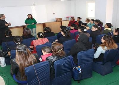برامج توعية وتمكين المرأة