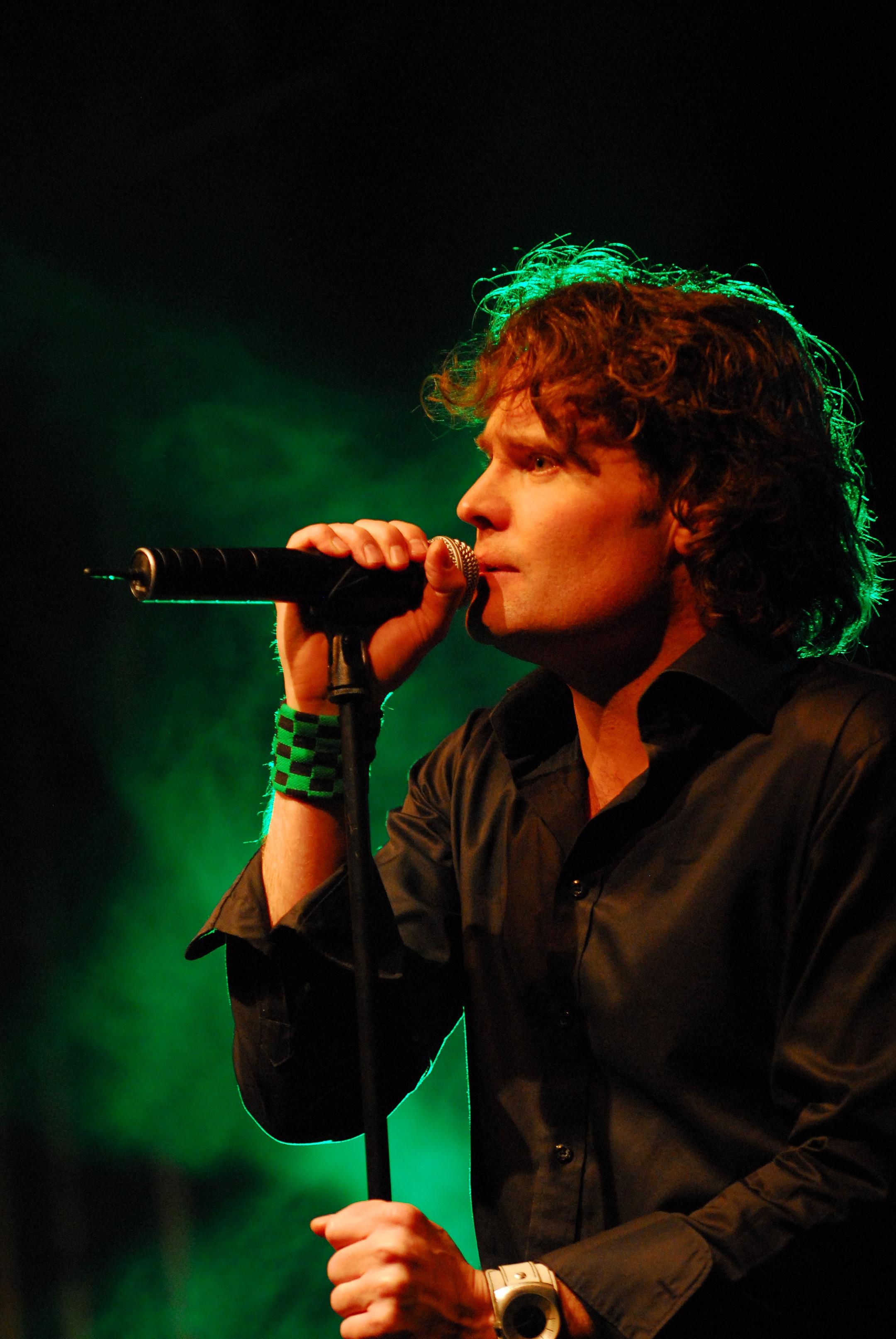 van-wieren-live-op-dialectpop-20081