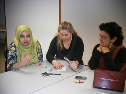 Enero 2013. Socias fundadoras: Aysha Mortoza, Fátima Ahmed y Mercè Amor.
