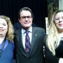 Fàtima Ahmed (Presidenta de Diàlegs de dona), Artur Mas (President de la Generalitat) i i Salwa El Gharbaoui (AFCAR)