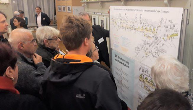 Dutzende Gespräche ergeben sich an der Wand mit den Skizzen (C) Dialog Plus