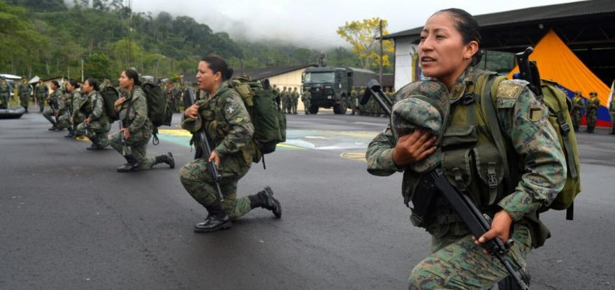 Por primera vez, 67 mujeres concluyen el servicio militar y se gradúan como soldados de reserva