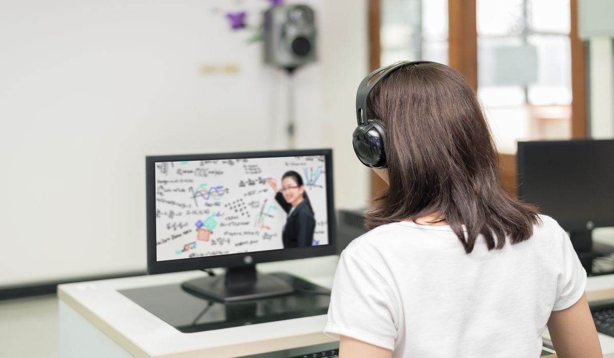 La modalidad a distancia permite una educación multidireccional