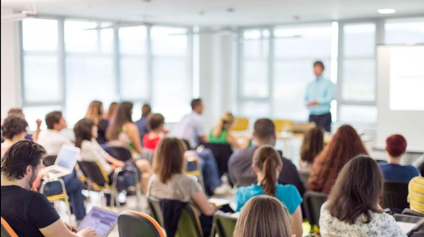 ¿El éxito profesional está ligado a una carrera universitaria?