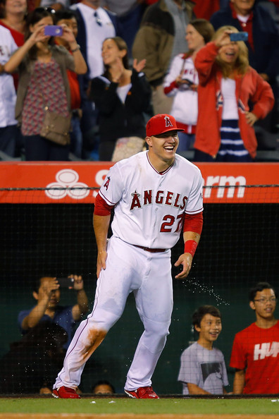 Mike+Trout+Chicago+White+Sox+v+Los+Angeles+zmp0A7OxVREl