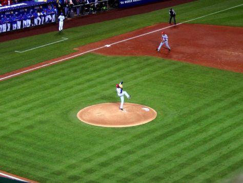800px-Dontrelle_Willis,_World_Baseball_Classic,_Angel_Stadium,_Anaheim,_USA