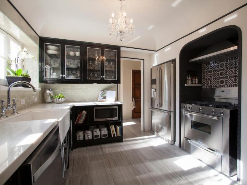 BP_HHURT306_black-and-white-kitchen-after_h.jpg.rend.hgtvcom.966.725