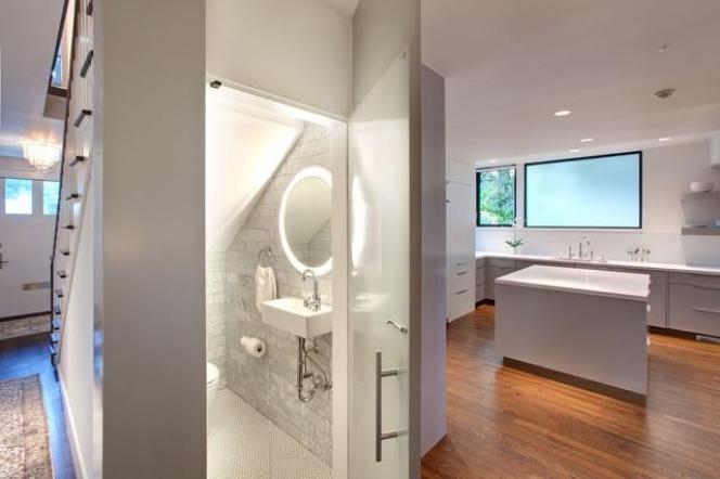 modern-powder-room