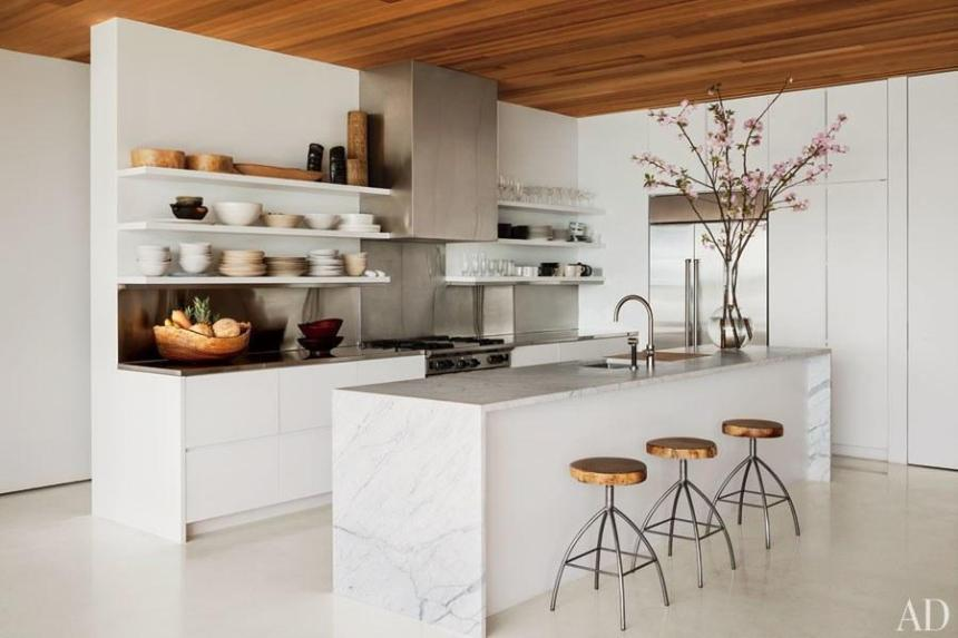 dam-images-decor-2013-01-white-kitchens-white-kitchens-01