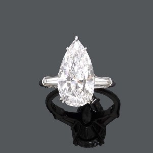 6 Ct Pear Cut Diamond RIng