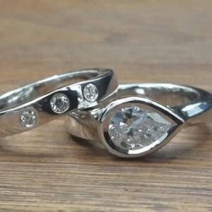2.Carat Pear Cut Real Moissanite Bezel Wedding Rind Matching Set Solid 14k White Gold
