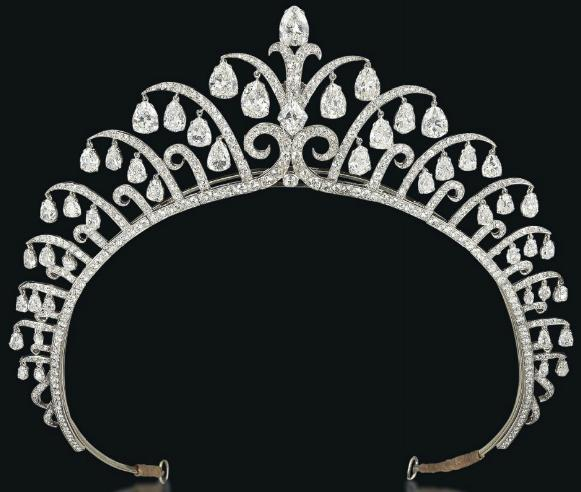 Art Deco tiara by Cartier, circa 1920's. Via Diamonds in the Library.