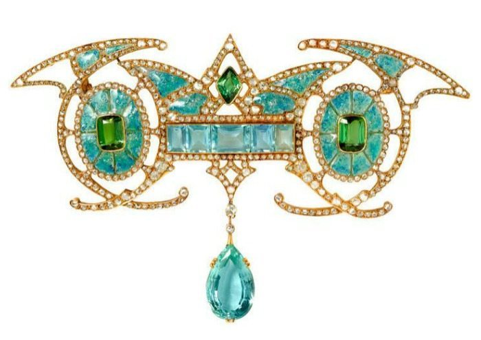 Art Nouveau gold, aquamarine, diamond & enamel brooch by Georges Fouquet, circa 1901. Via Diamonds in the Library.