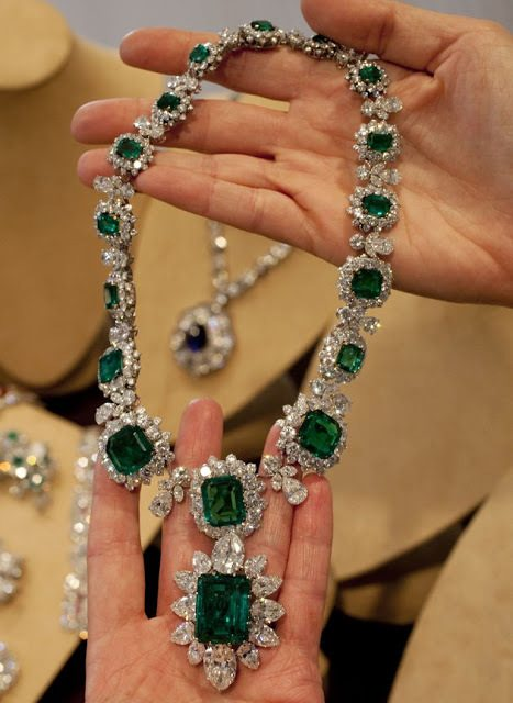 Necklace with attached pendant brooch from Elizabeth Taylor's Bulgari emerald and diamond suite. Via Diamonds in the Library.