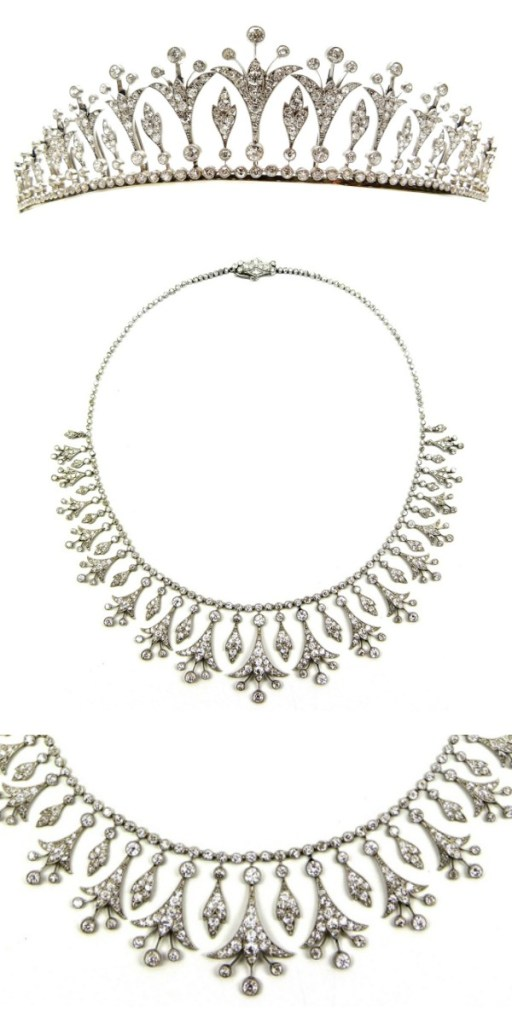 Belle Epoque diamond necklace that can also convert into a tiara, circa 1905. Via Diamonds in the Library.