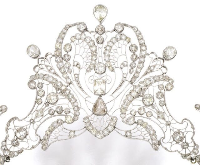Detail view; an antique platinum and diamond tiara, circa 1910. Via Diamonds in the Library.