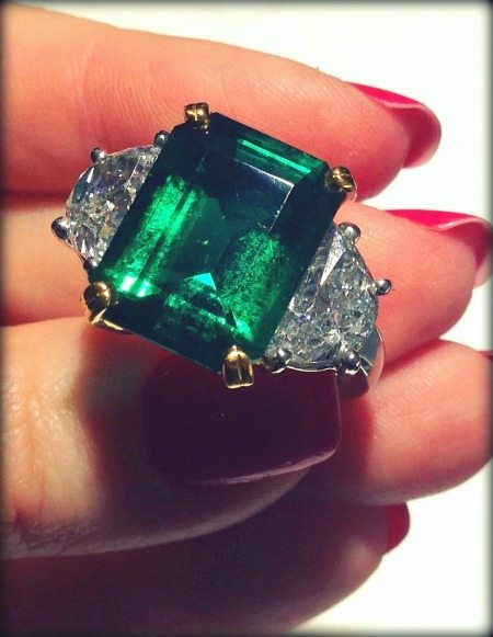Magnificent emerald and diamond ring by Oscar Heyman. Via Diamonds in the Library.