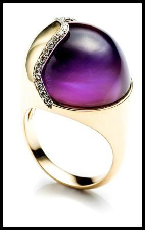 Kara Ross Petra Smooth Contour Ring in Amethyst and Diamonds in 18K Gold. Via Diamonds in the Library's jewelry gift guide.