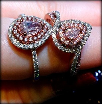 David Rovinsky diamond and pink diamond engagement rings. Via Diamonds in the Library.
