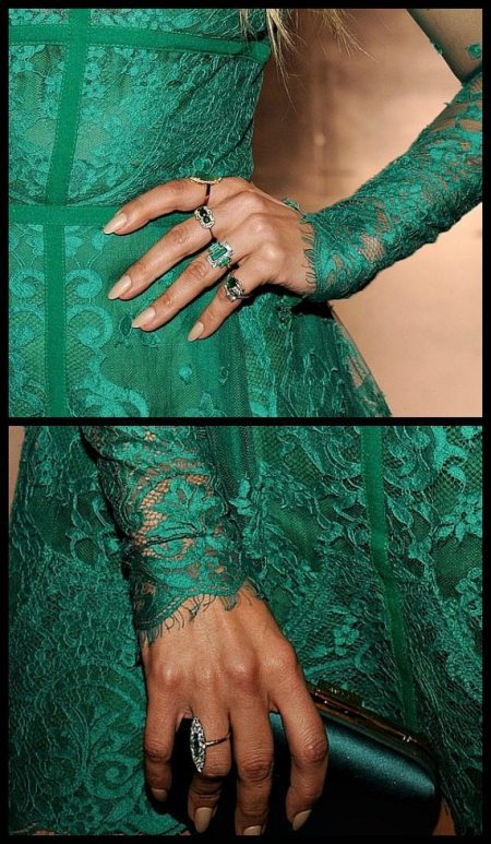 Jennifer Lopez's emerald and diamond rings at the 2014 Teen Choice Awards