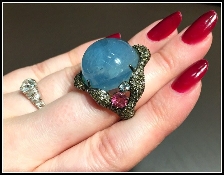 A fabulous aquamarine cabochon ring by Brumani