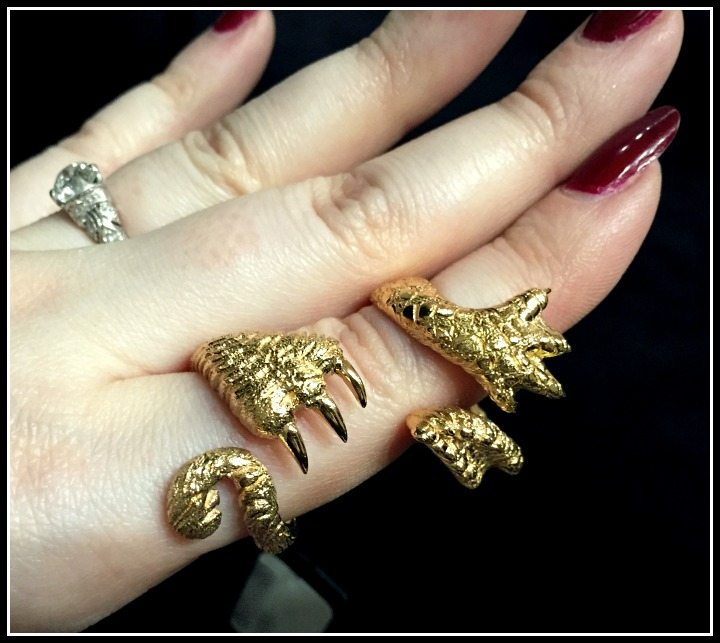 Two golden animal claw rings by Mattioli