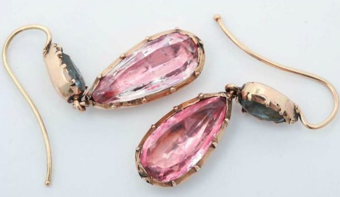Antique Georgian earrings; foiled-back design with aquamarines and pink topaz or pink crystal in 15k gold. Circa 1830.
