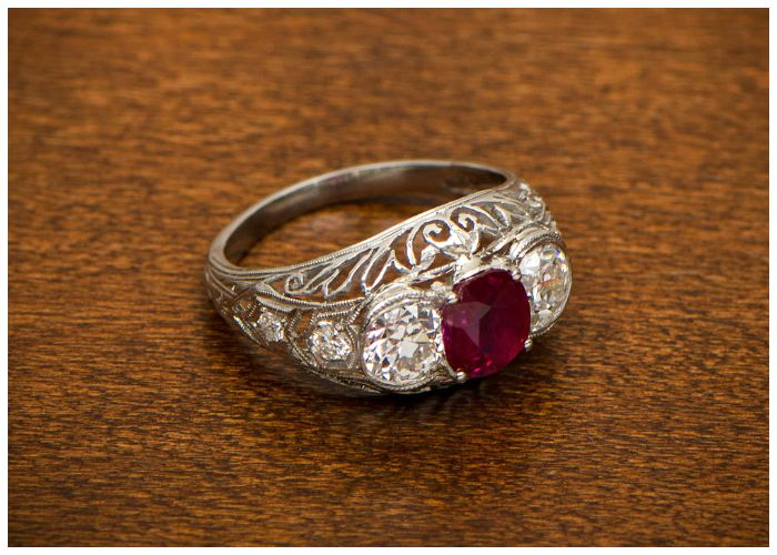 Antique ruby and diamond engagement ring. A stunning beauty with three-stone design and filigree details. Edwardian, circa 1905.