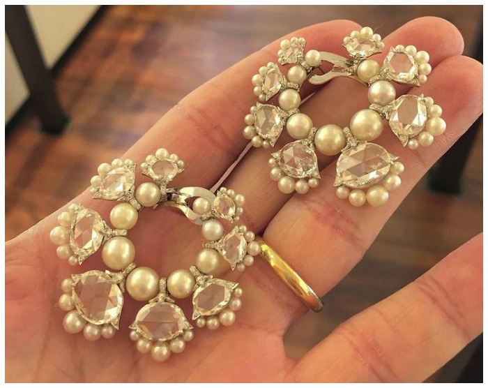 An incredible pair of diamond and pearl earrings by Viren Bhagat. Via FD Gallery.