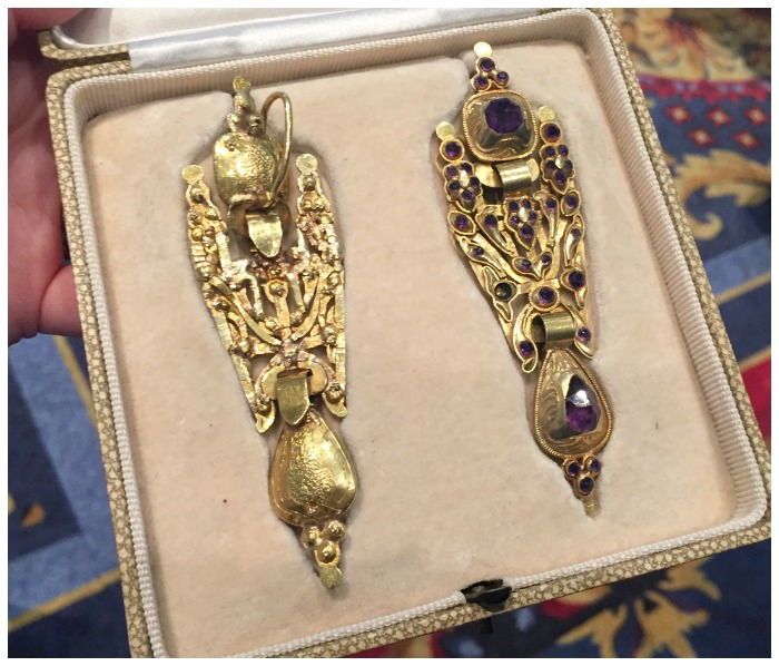 Antique Portuguese earrings in gold with amethysts. At Spicer Warin.