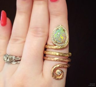 Hello, super cool @pamelafromanfj opal and diamond ring! I adore this piece's shape and its mixed metals.