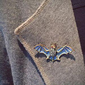 Manbling alert! Killer bat brooch spotted on the dapper Larry Platt of @plattboutiquejewelry.