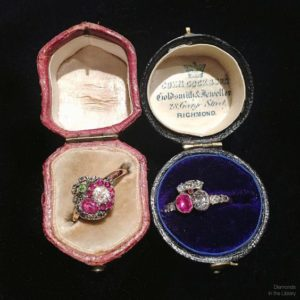 These two gorgeous Georgian heart rings from #LowtherAntiques are as rare as they are lovely. They're both ruby with diamonds, from the 1820s or slightly earlier.