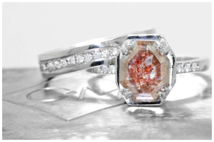 A 1.52 carat pink and red diamond ring and wedding band from Chinchar Maloney's The New Classic Collection.