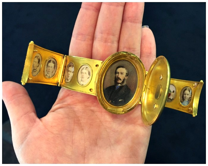 A rare and exquisite portrait bracelet with family portraits. Dedicated to a wife from her husband for their wedding anniversary in 1864. Spotted at OMBAS 2016.