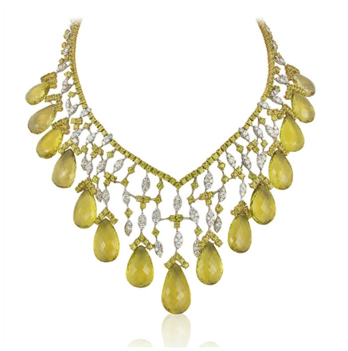 An incredible Andreoli necklace with 11.63 carats of diamonds and 306.23g peridot. Dripping with briolettes!
