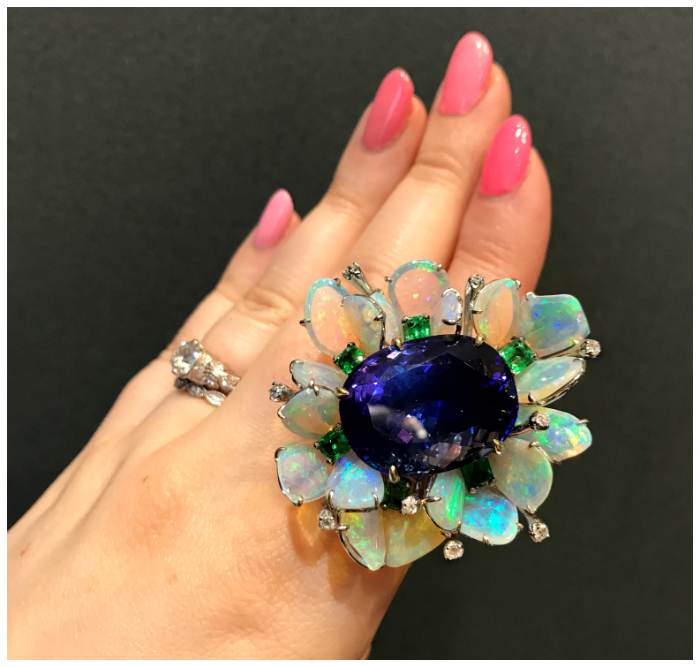 A spectacular gemstone ring by V Tse Jewelry! I love that explosion of opals.