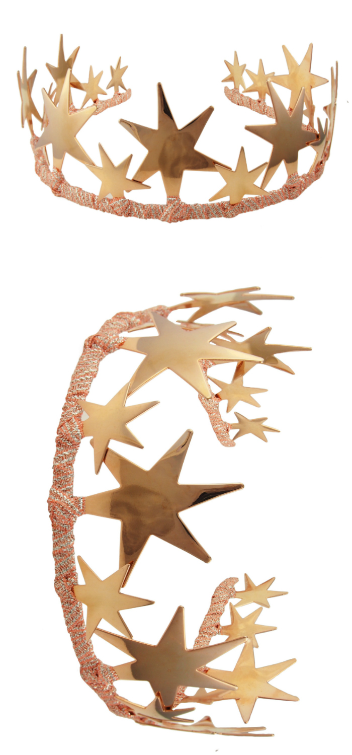 I love this rose gold tiara by JY Jewels! It's called the Alexandra, and I love its bold, beautiful stars.