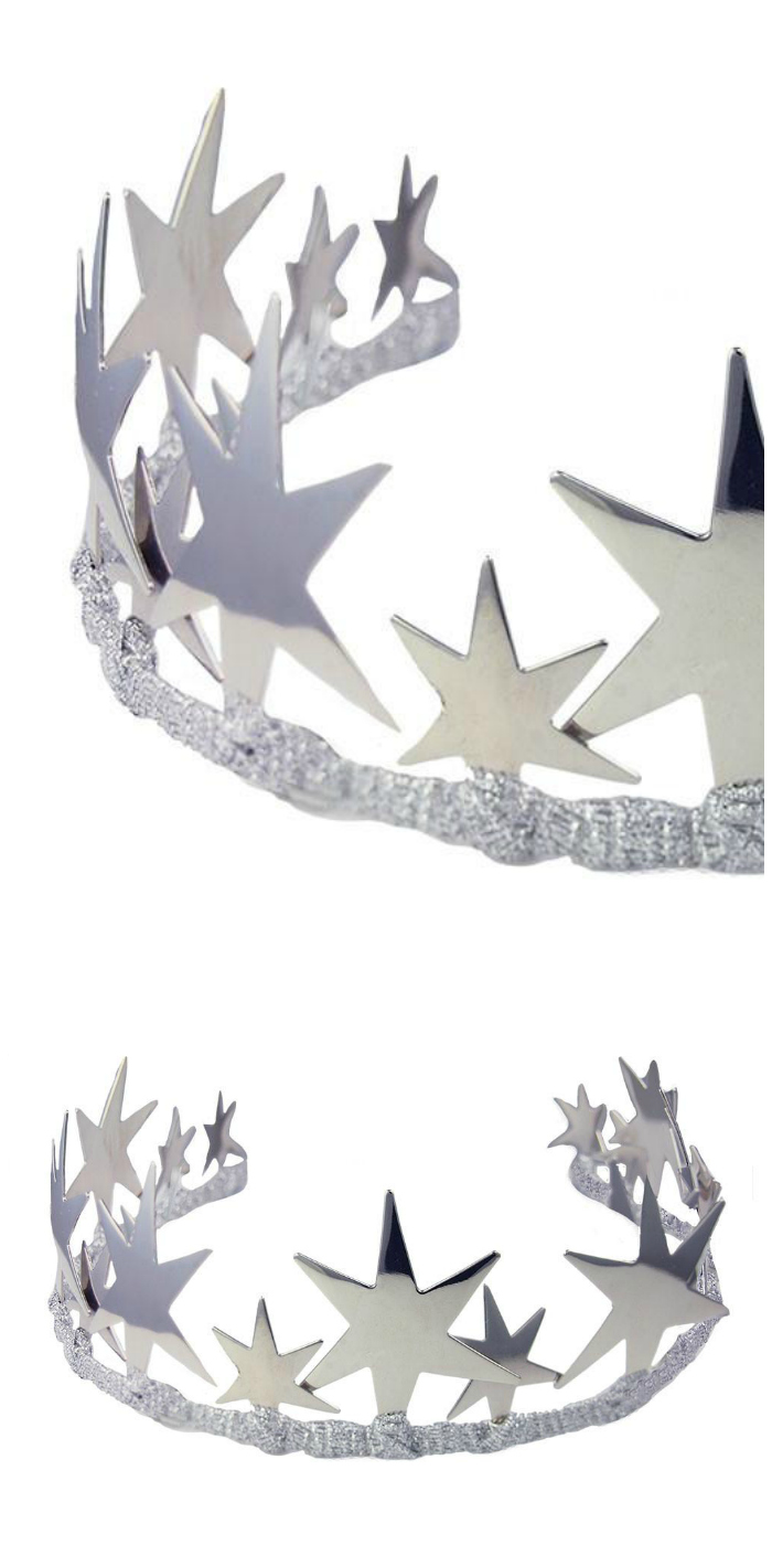 The Alexandra tiara by JY Jewels comes in rose gold, yellow gold, and silver. Here's the silver!