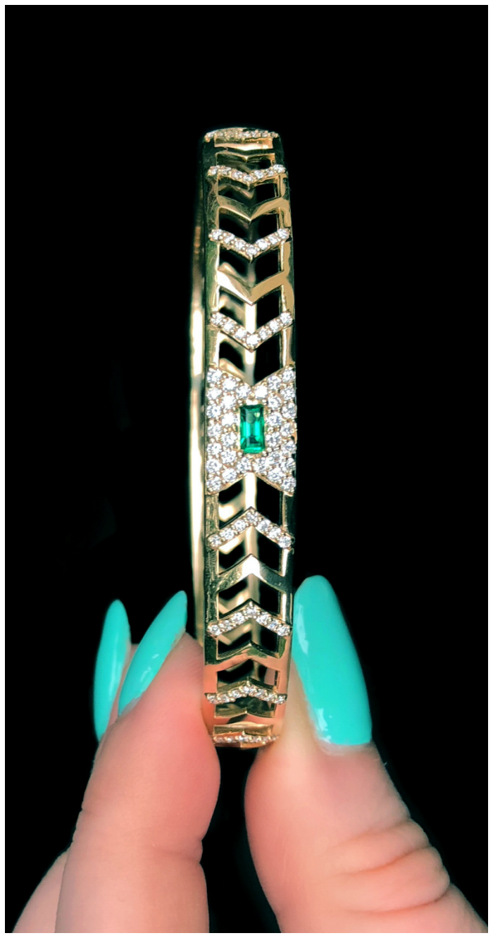 The Gia Deco bracelet by GiGi Ferranti! With emerald and diamonds in gold.