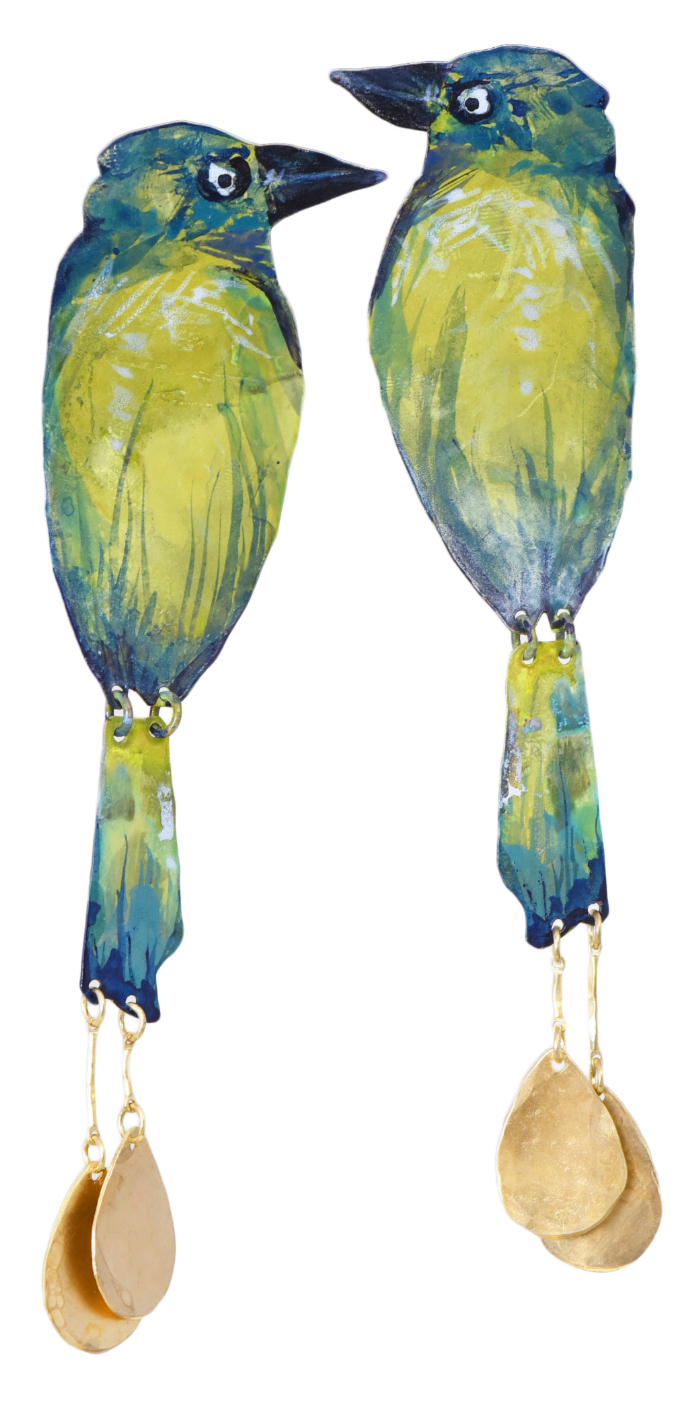 I love these parrot earrings by We Dream in Colour!! Such fun color for summer statement earrings.