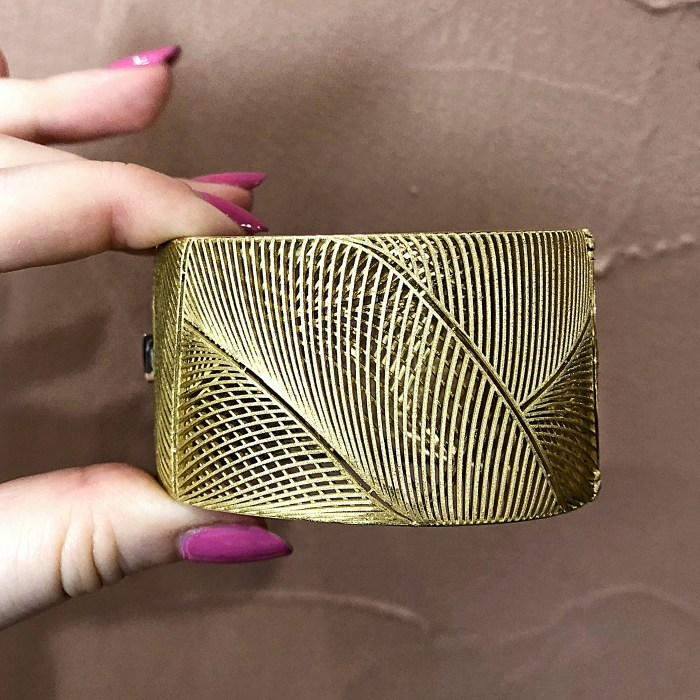 I love the design of this gold cuff bracelet by Luisa Rosas!! This brand's jewelry is inspired by nature.