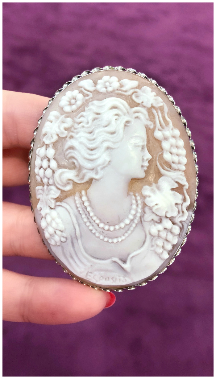 A stunning Italian cameo by Salvatore Collaro.
