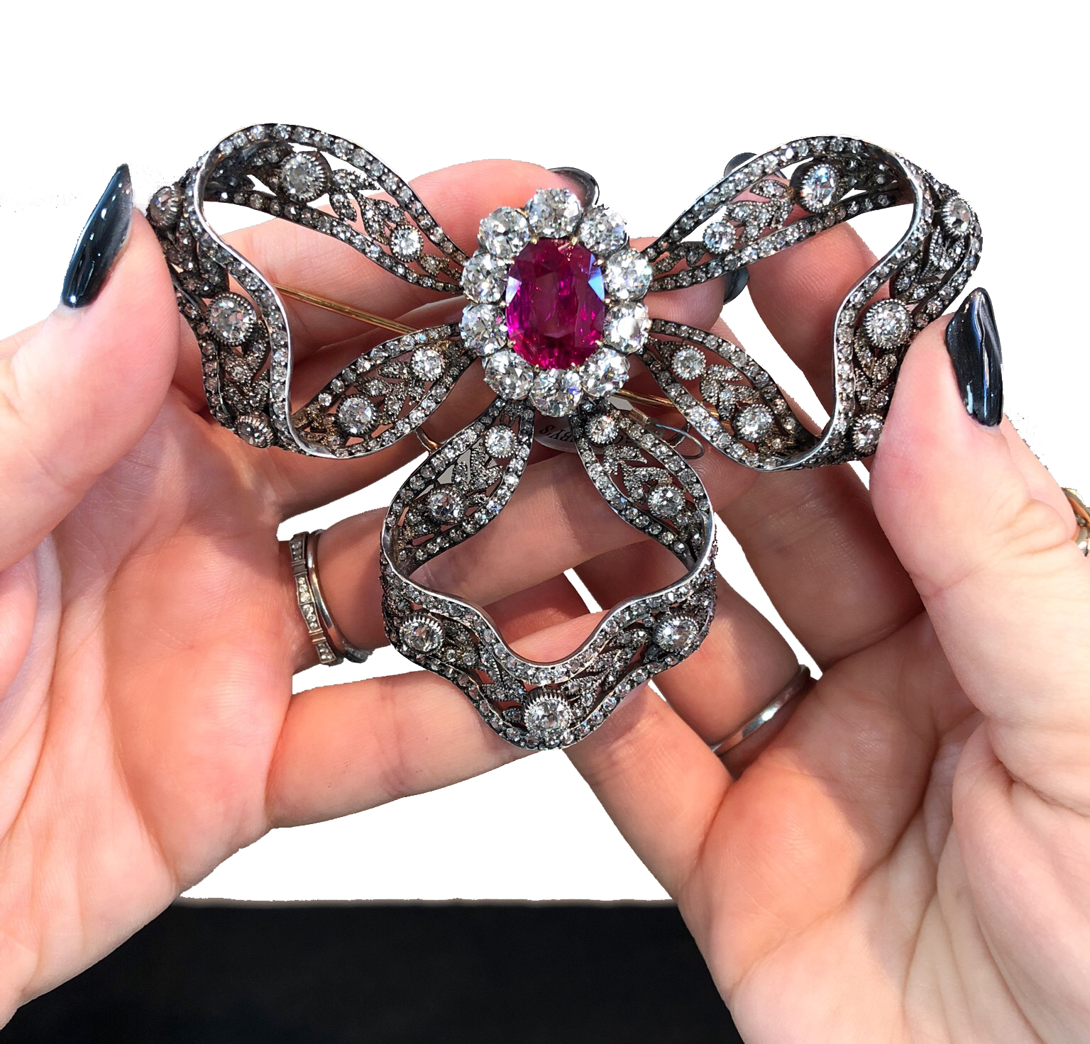 Brooch and hair ornament with diamonds and a 6.89-carat Burmese ruby. Owned by Archduchess of Austria Maria Anna of Austria. Circa 1900, by Bachruch.